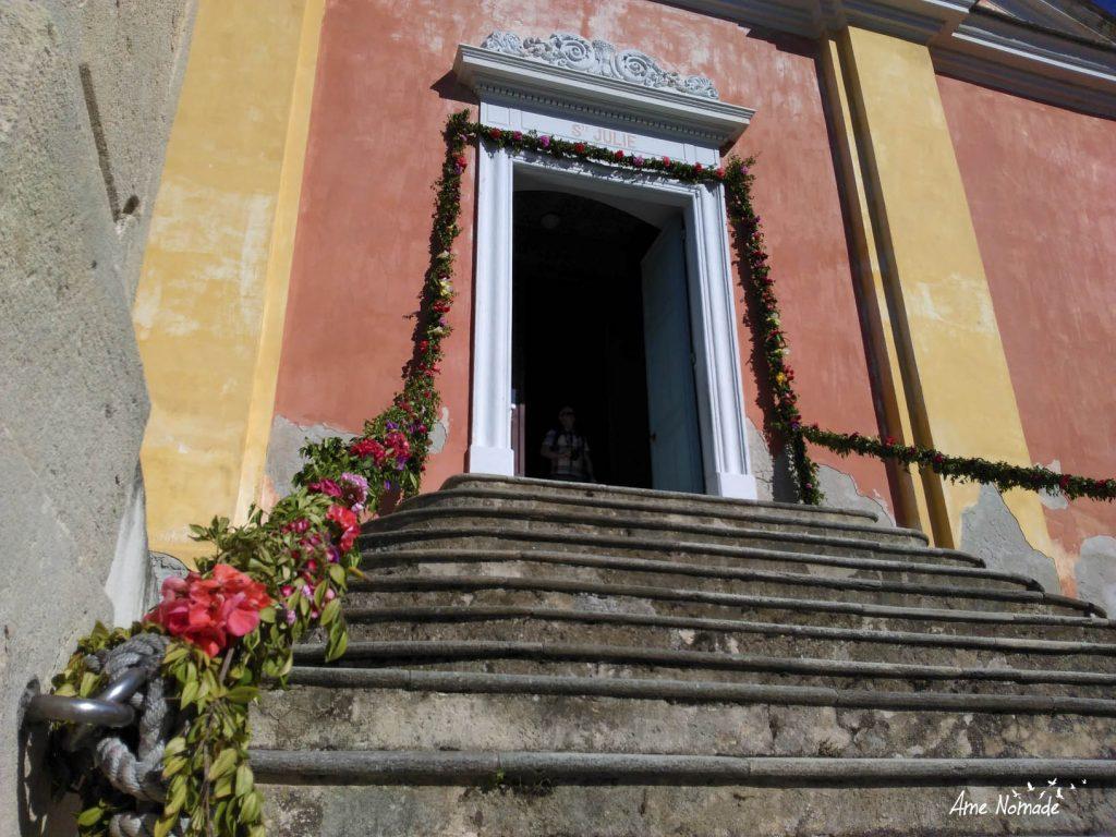 Église Sainte Julie de Nonza décorée pour la fête