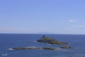 Jour 3. Vue sur les ilôts Finocchiarola depuis le sentier des douaniers de la pointe du Cap Corse.