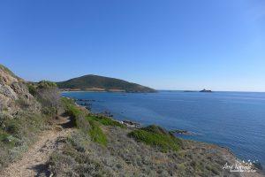 L'arrivée sur Tamarone et les îlots Finocchiarola
