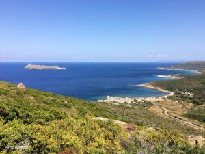 Descente sur Tollare depuis le sentier des douaniers de la pointe du Cap Corse